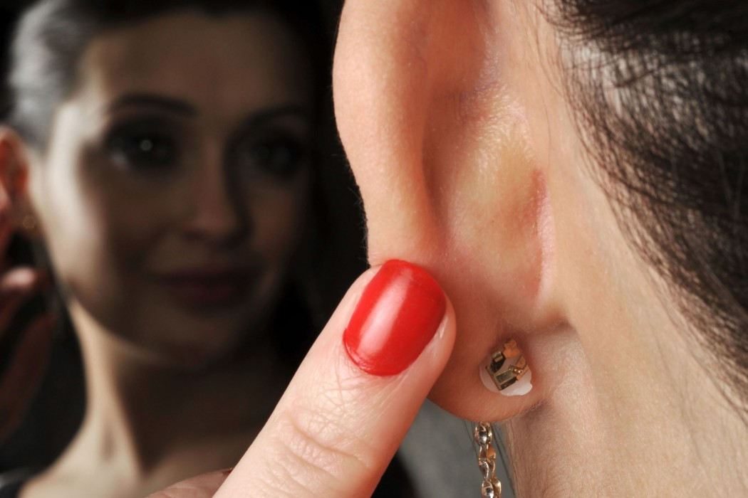 How To Never Lose Your Earrings